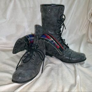 🌸NEW!🌸MADDEN GIRL GALERIAA COMBAT LACE UP BOOTS